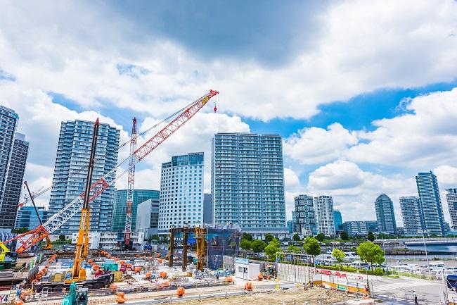 建設現場にデジタルサイネージが増えている理由とは?
